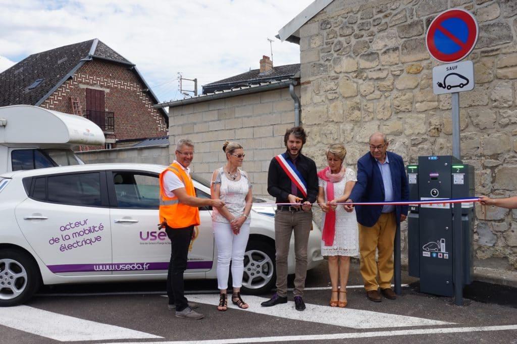 Inauguration borne de recharge à Anizy-le-Château le 13 juillet 2017