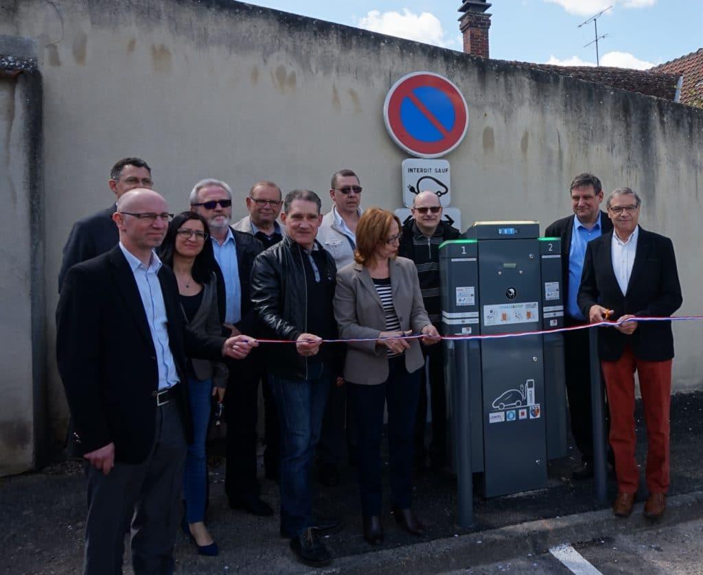 Inauguration de la première borne de recharge à Nogent-l'Artaud